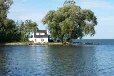 View Little Lake House Properties
